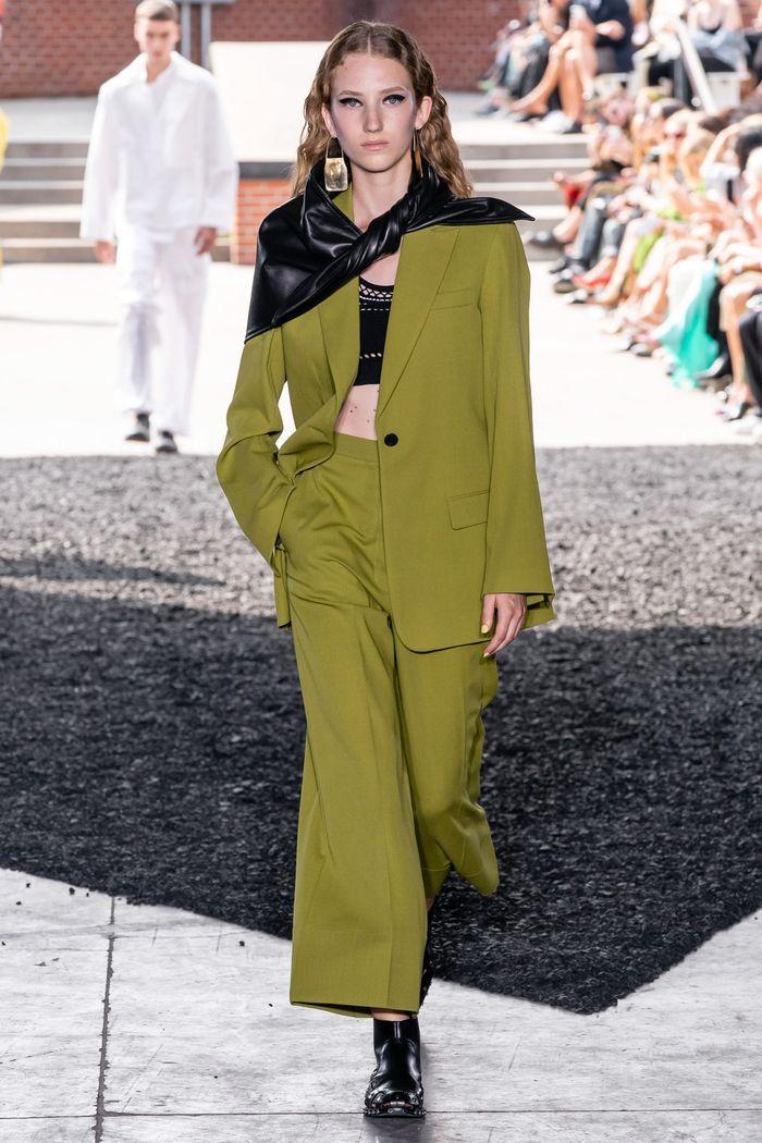 Модный свободный пиджак прямого кроя на одной пуговице из коллекции весна-лето 2020 Phillip Lim