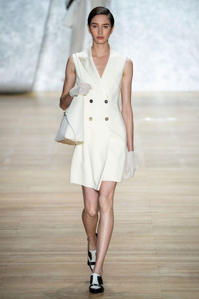 Модное летнее платье-пиджак из коллекции весна-лето 2020 Akris