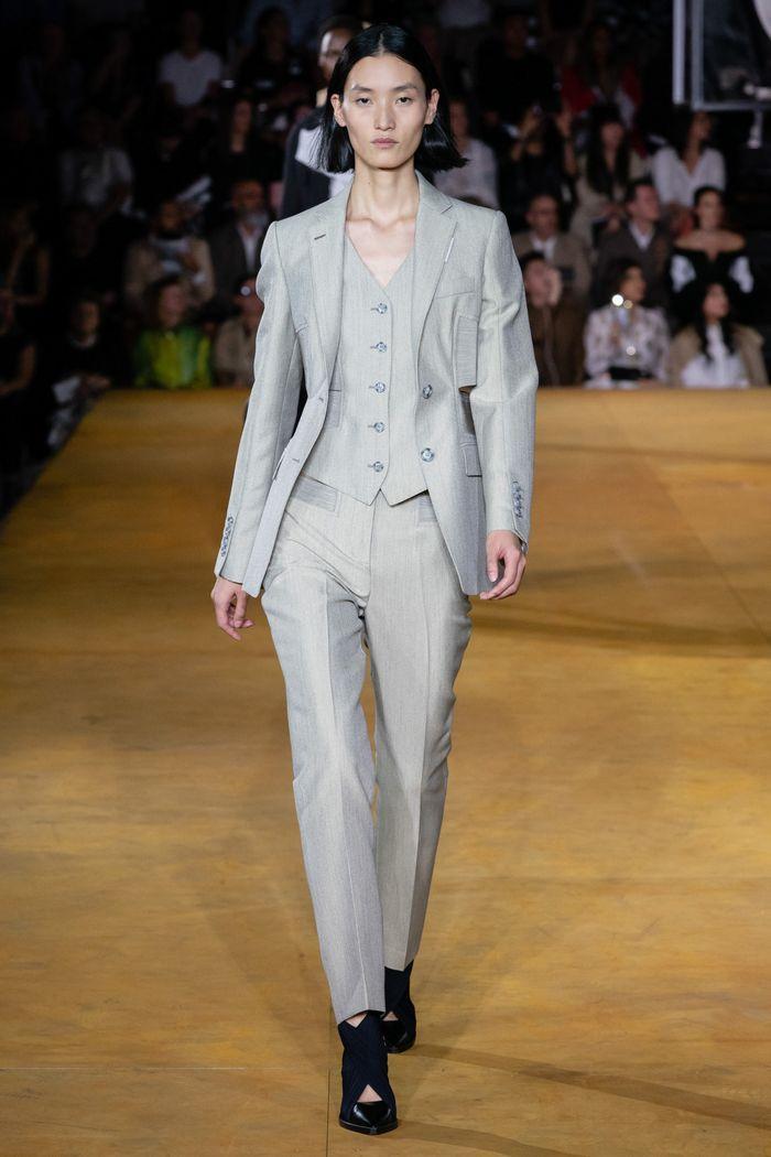 Модный женский костюм тройка коллекции весна-лето 2020 Burberry