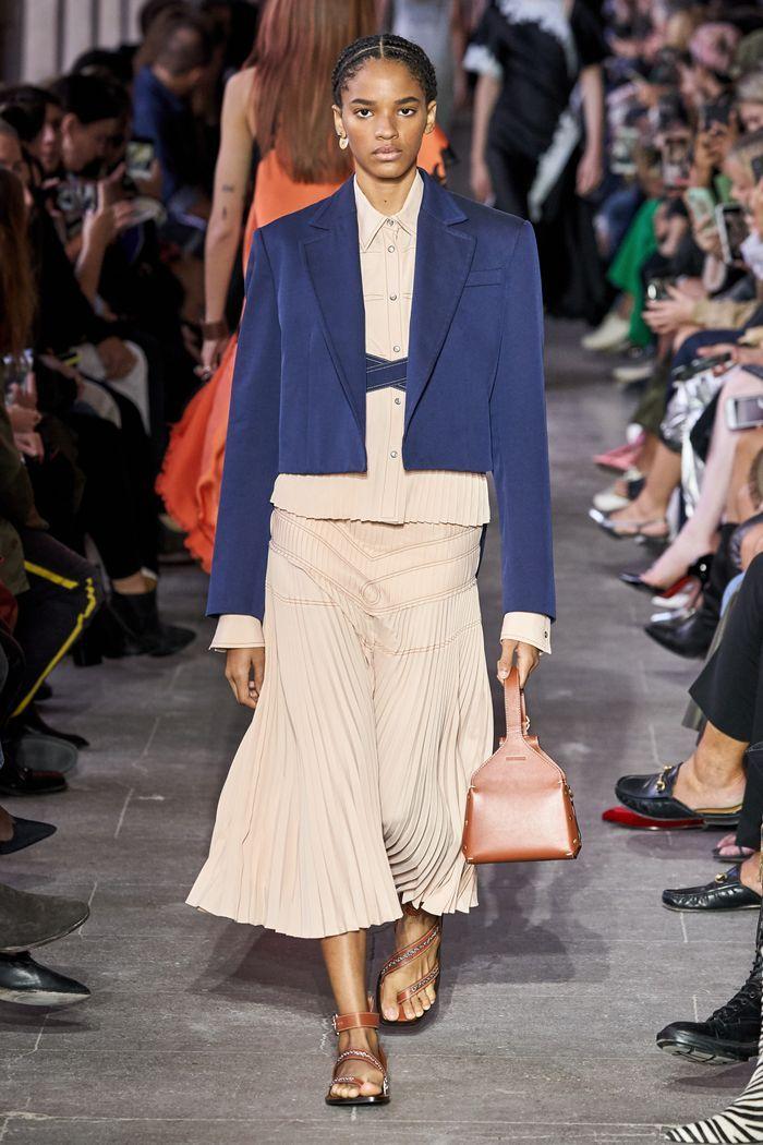 Модный короткий пиджак весна-лето 2020 из коллекции Cédric Charlier