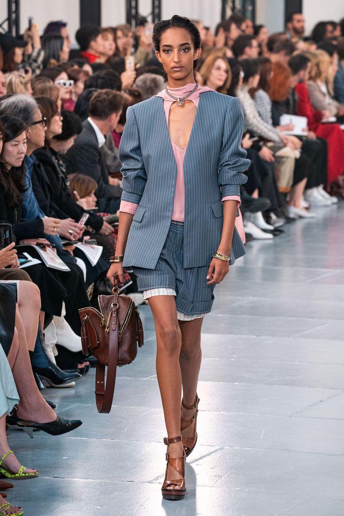 Модный пиджак из коллекции весна-лето 2020 Chloé