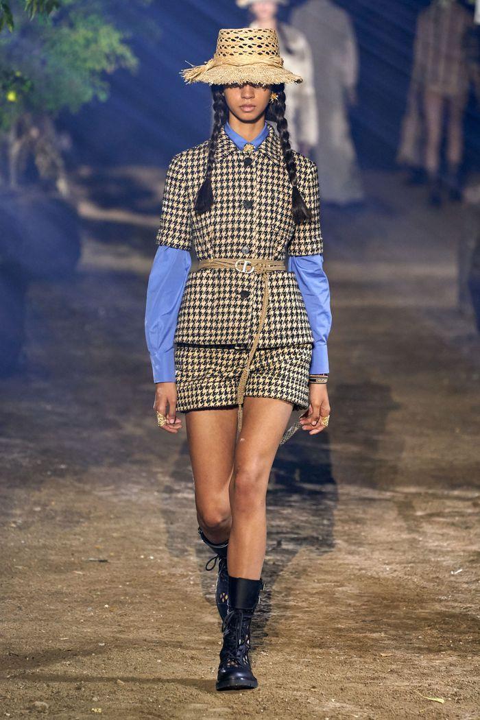 Модный пиджак с короткими рукавами из коллекции весна-лето 2020 Christian Dior