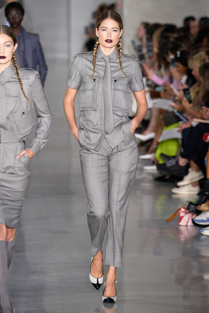 Модный женский костюм с рубашкой коллекции весна-лето 2020 Max Mara
