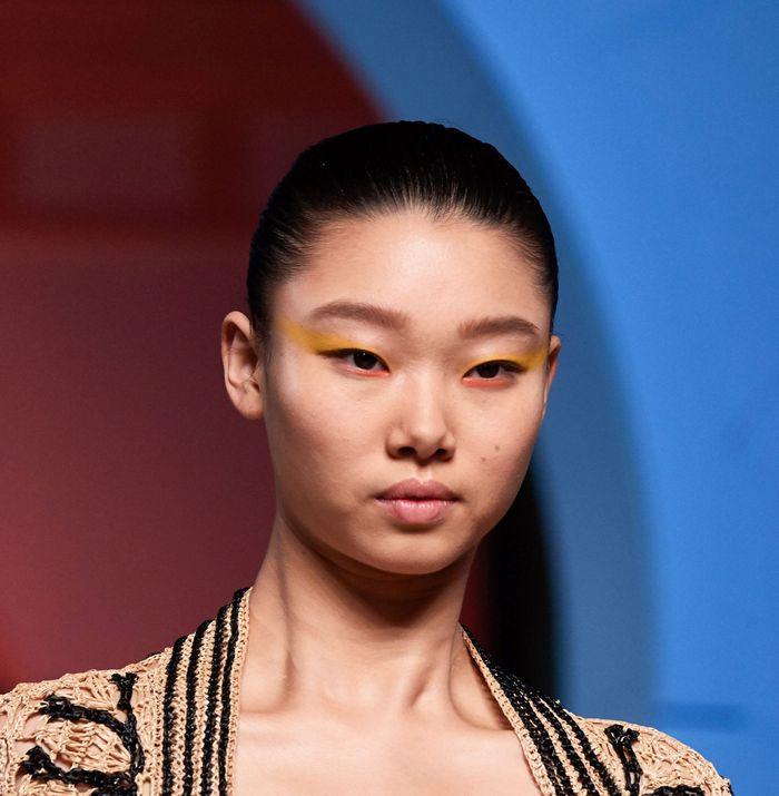 Тренды в макияже весна-лето 2020. Фото с показа коллекции Oscar de la Renta