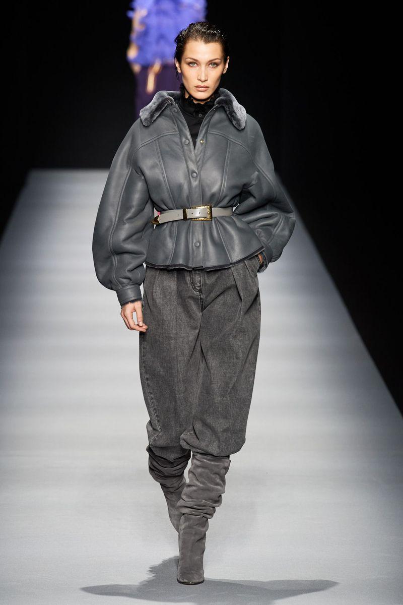 Модная куртка-дубленка осень-зима 2020-2021 из коллекции Alberta Ferretti