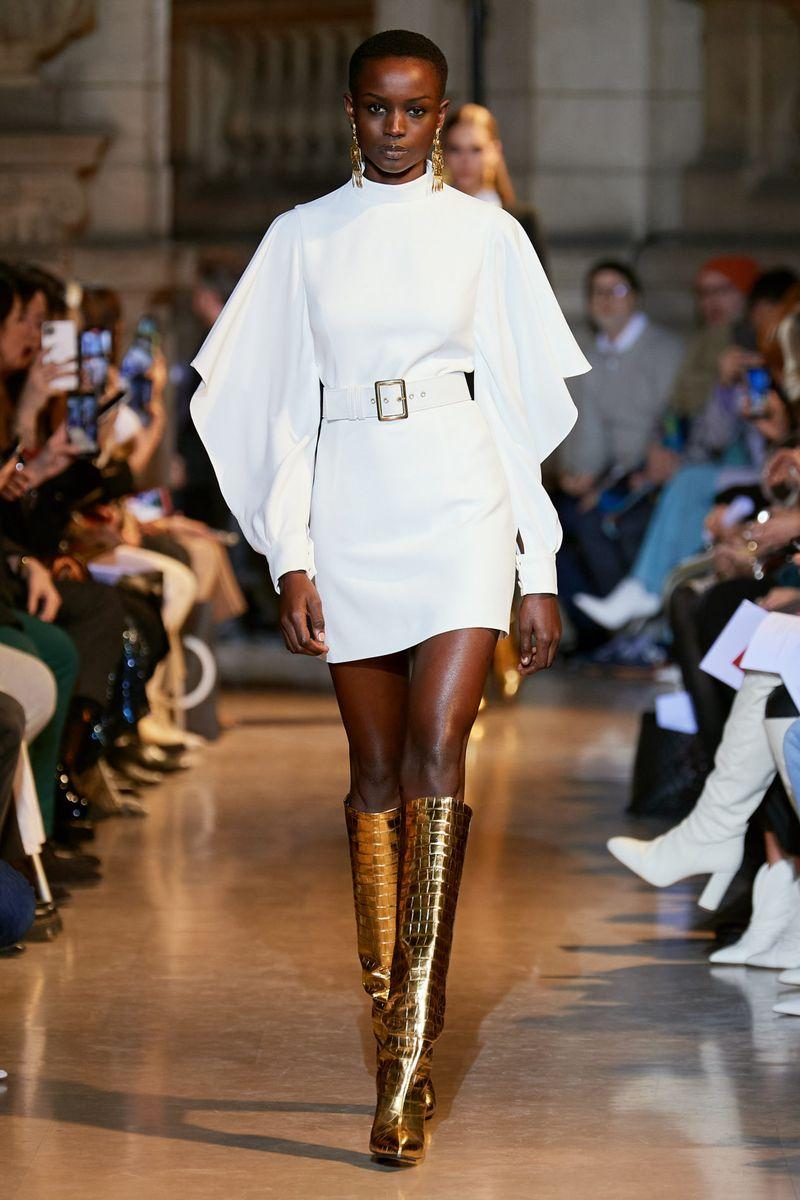 Модное платье с рукавами осень-зима 2020-2021 из коллекции Andrew Gn