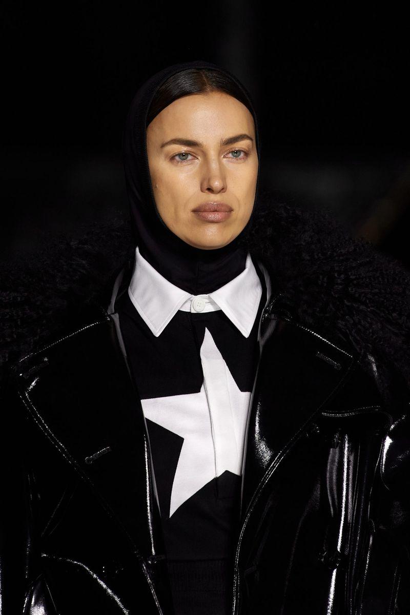 Модная шапка осень-зима 2020-2021 из коллекции Burberry