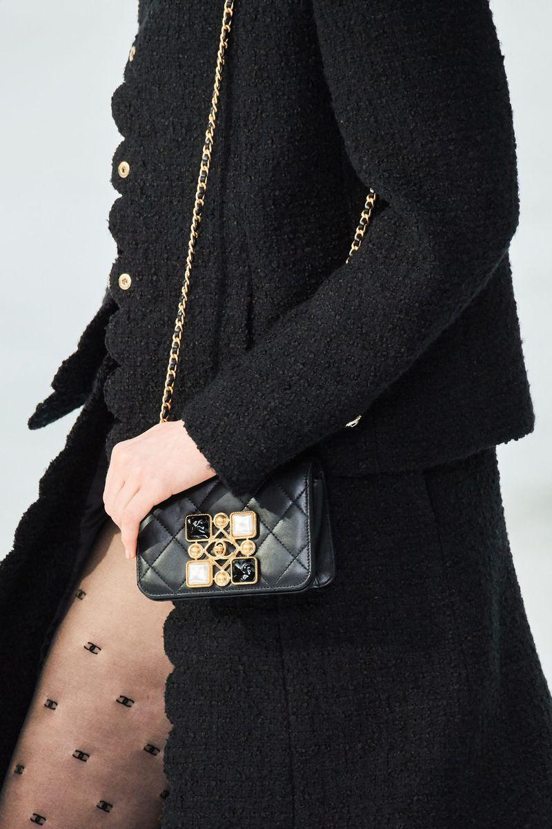 Модные сумки осень-зима 2020-2021 с пряжками из коллекции Chanel