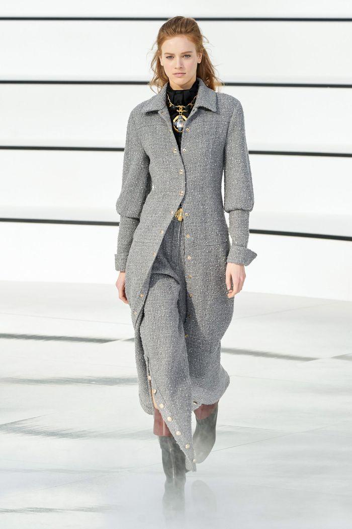 Модные цвета в одежде осень-зима 2020-2021. Образ из коллекции Chanel