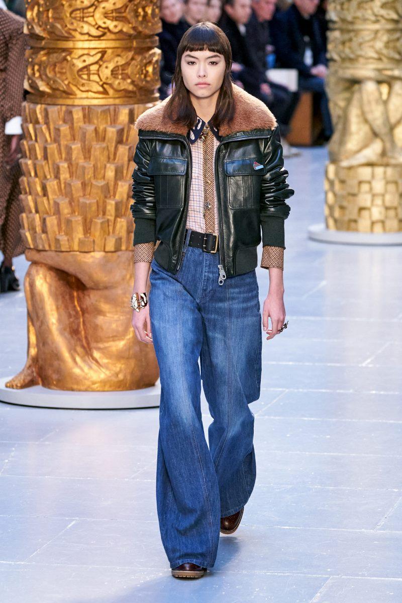 Модные джинсы осень-зима 2020-2021 из коллекции Chloé