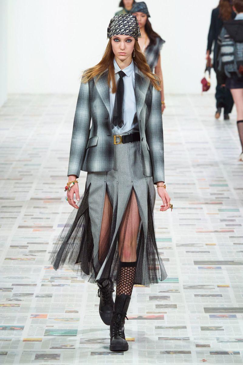 Модная юбка осень-зима 2020-2021 из коллекции Christian Dior
