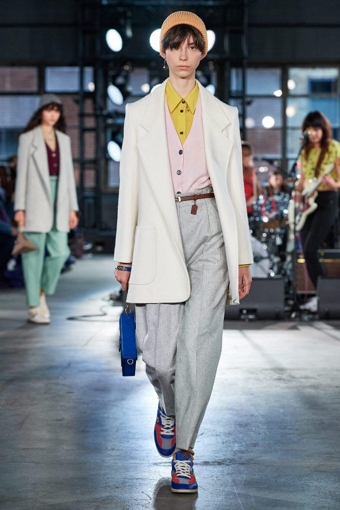 Модная одежда осень-зима 2020-2021. Брюки из коллекции Coach