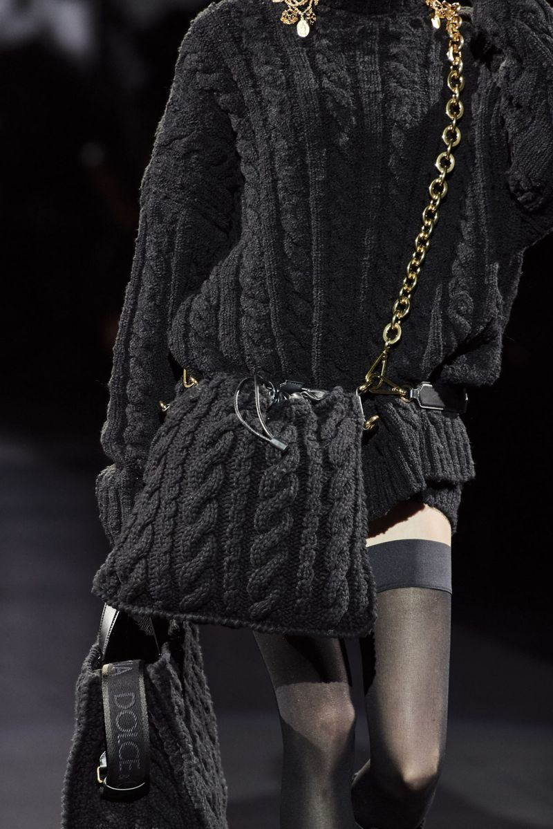 Модные вязаные сумки осень-зима 2020-2021 из коллекции Dolce & Gabbana