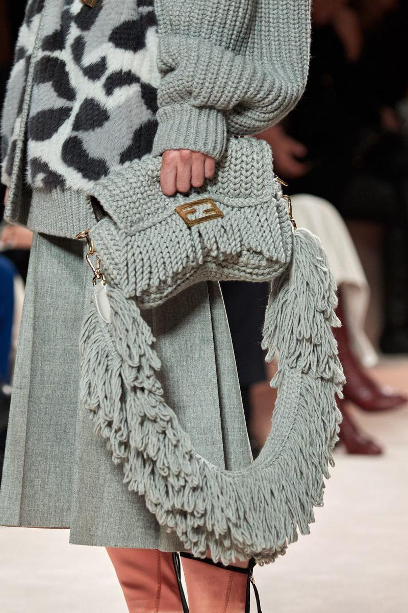 Модные вязаные сумки осень-зима 2020-2021 из коллекции Fendi
