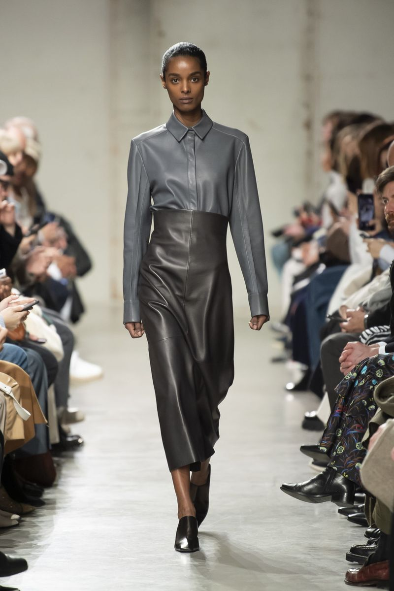 Модные кожаные юбки осень-зима 2020-2021 из коллекции Gauchere