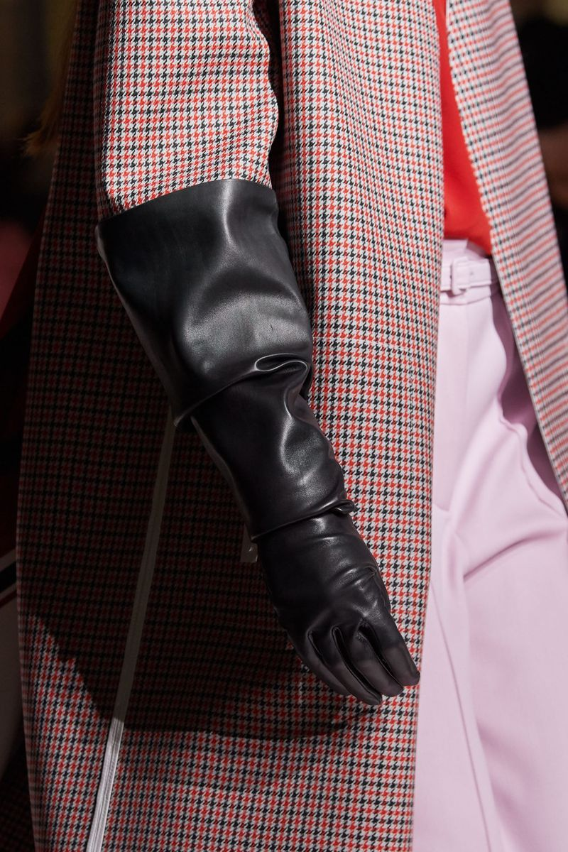 Модный аксессуар осень-зима 2020-2021 из коллекции Givenchy
