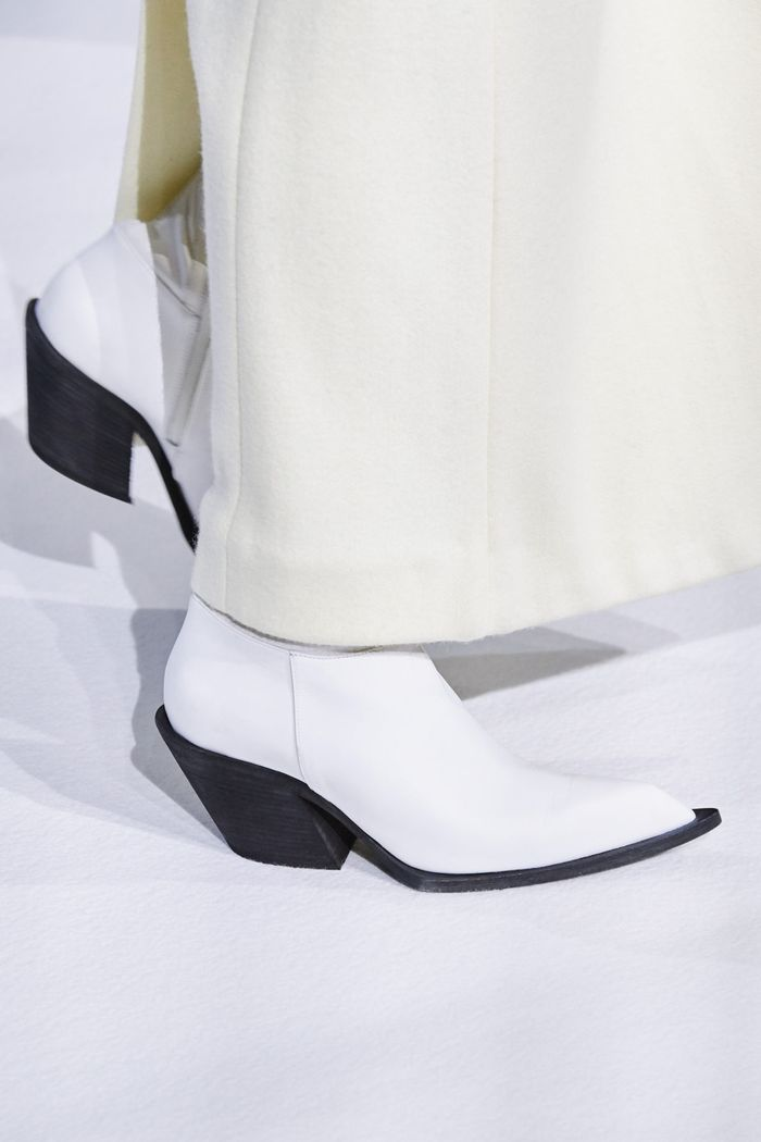 Модная женская обувь сезона осень-зима 2020-2021 из коллекции Haider Ackermann