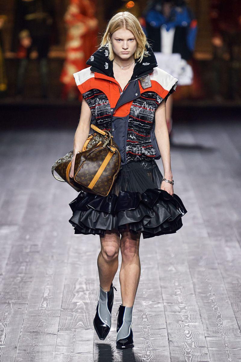 Модная куртка-жилет осень-зима 2020-2021 из коллекции Louis Vuitton