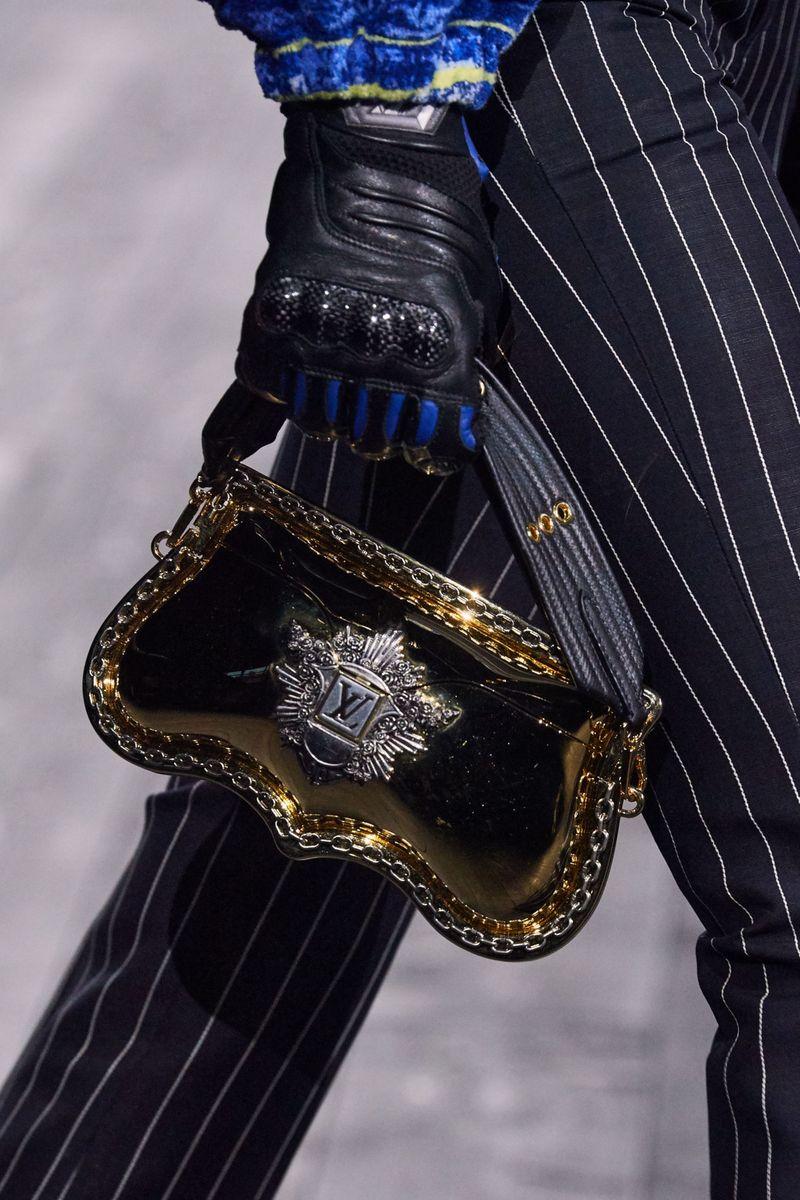 Модные сумки осень-зима 2020-2021 с пряжками из коллекции Louis Vuitton