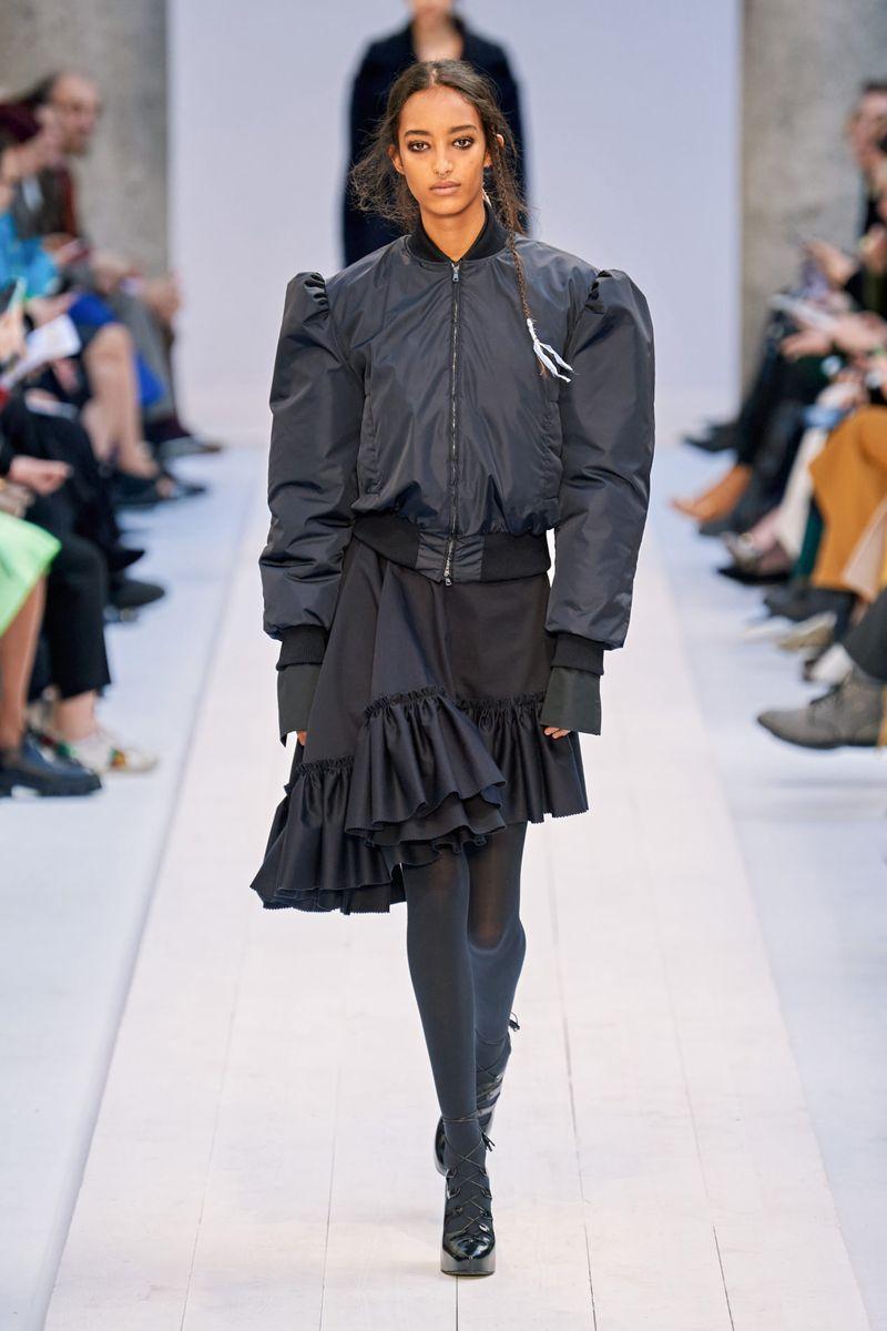 Модная куртка-бомбер осень-зима 2020-2021 из коллекции Max Mara