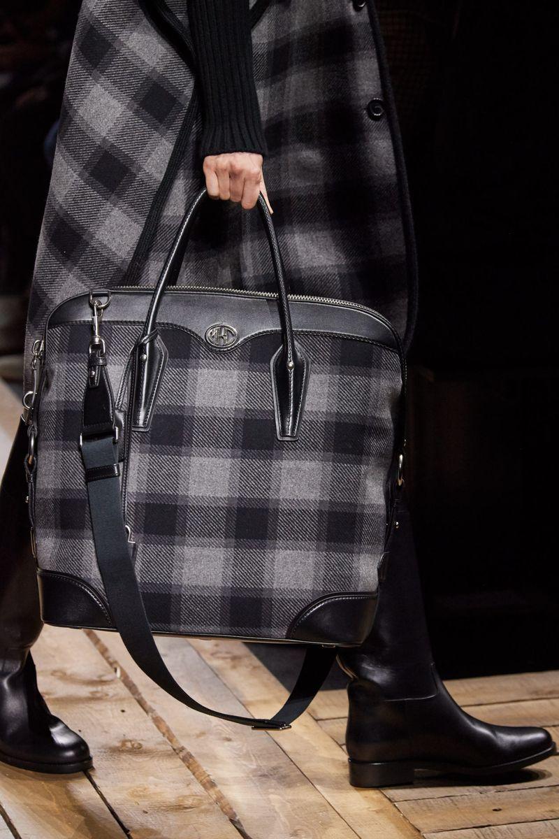 Модные сумки осень-зима 2020-2021 с клетчатым принтом из коллекции Michael Kors