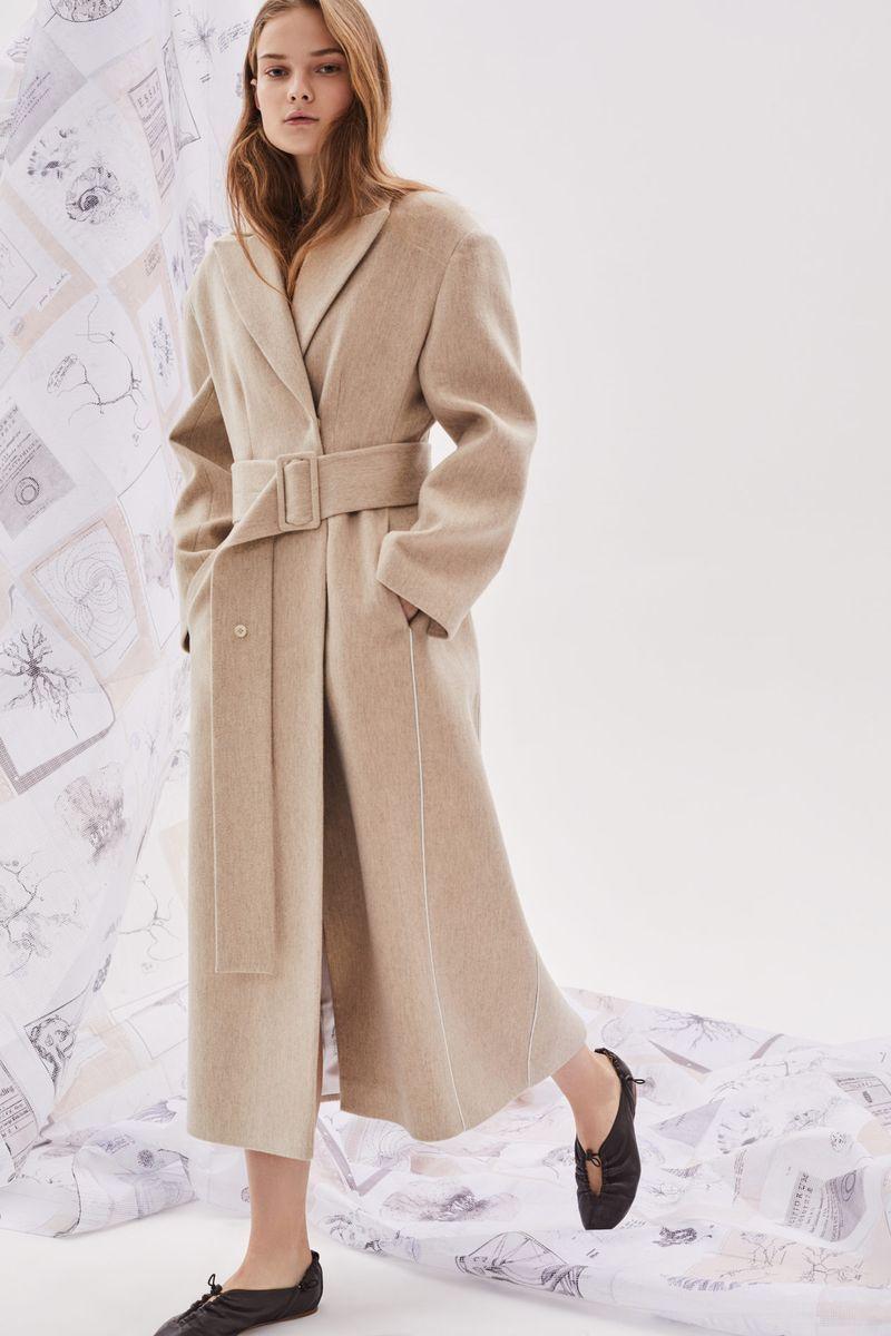Модное длинное пальто с поясом осень-зима 2020-2021 из коллекции Ruban