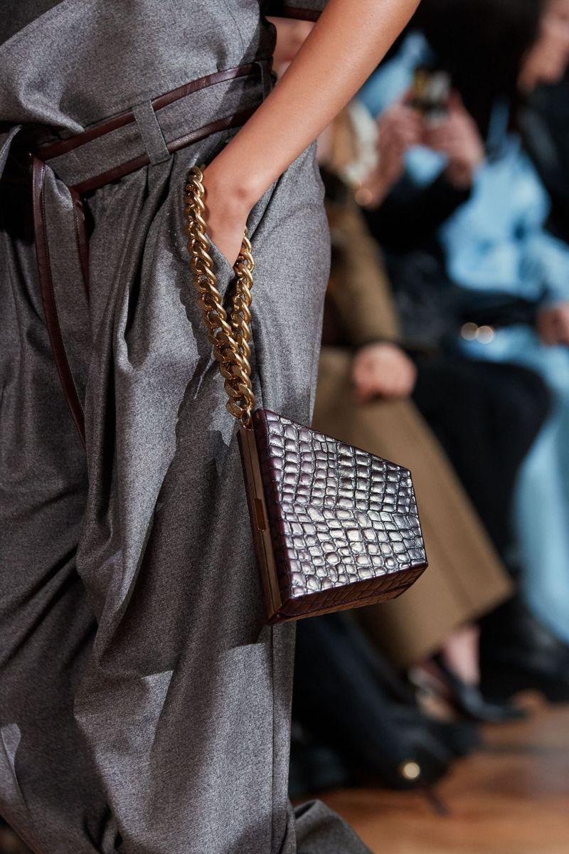 Модные сумки осень-зима 2020-2021 на цепочке из коллекции Stella McCartney