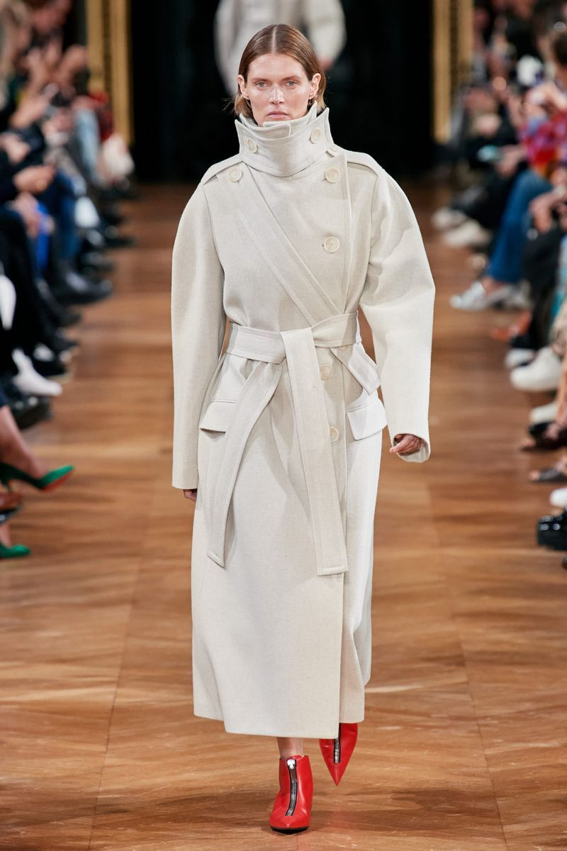 Модное длинное пальто с поясом осень-зима 2020-2021 из коллекции Stella McCartney