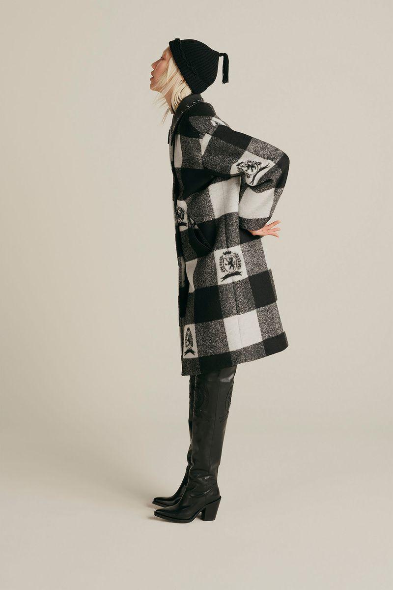 Модное пальто в клетку осень-зима 2020-2021 из коллекции Tommy Hilfiger
