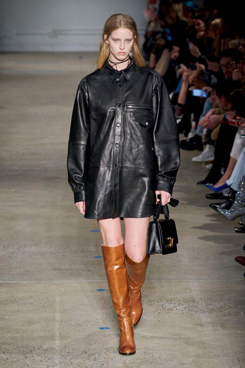 Модное кожаное платье осень-зима 2020-2021 из коллекции Zadig & Voltaire