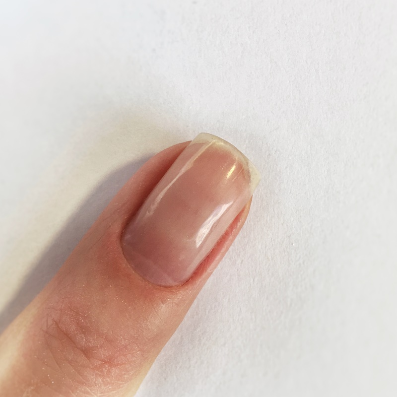 Нюдовый маникюр с блестками - пошаговый урок
