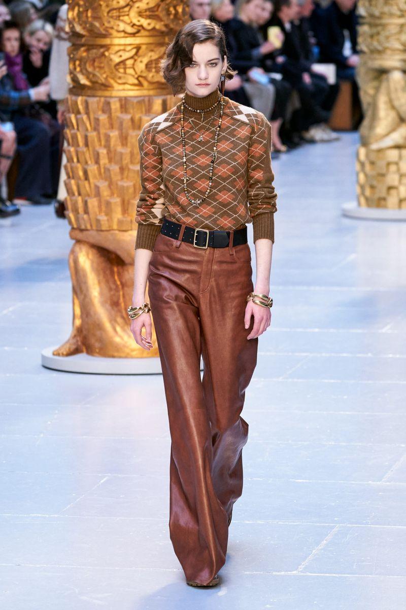 Модный свитер из коллекции осень-зима 2020-2021 Chloé