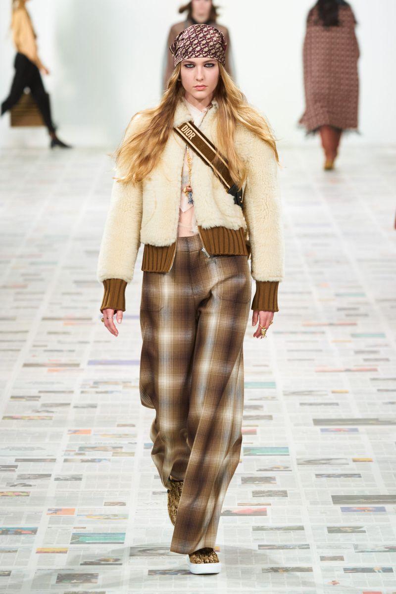 Модные брюки из коллекции осень-зима 2020-2021 Christian Dior