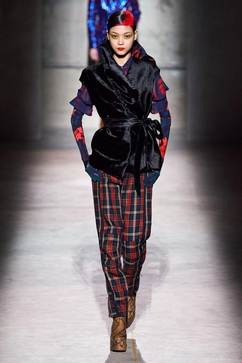 Модные брюки из коллекции осень-зима 2020-2021 Dries Van Noten