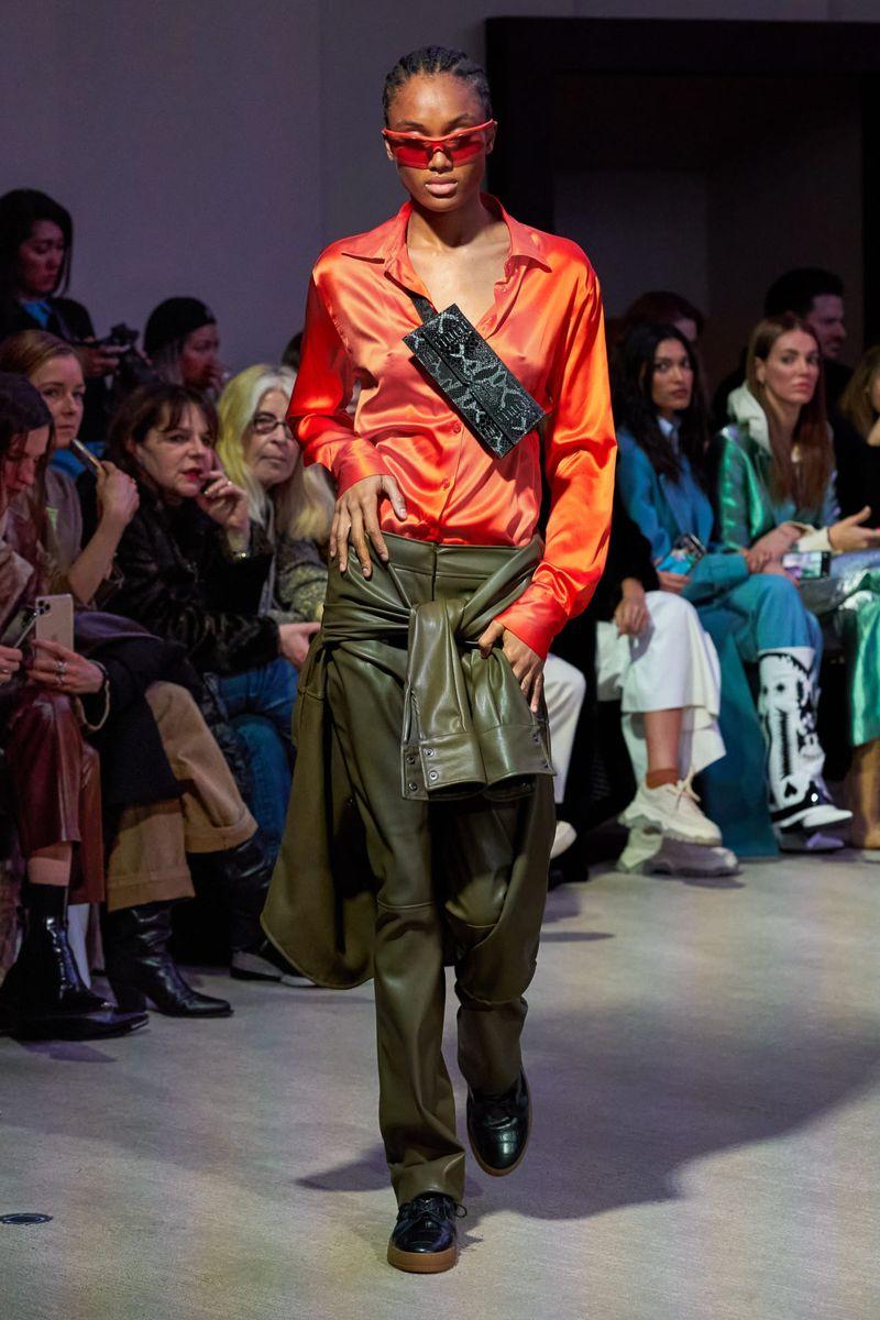 Модные брюки из коллекции осень-зима 2020-2021 Each x Other