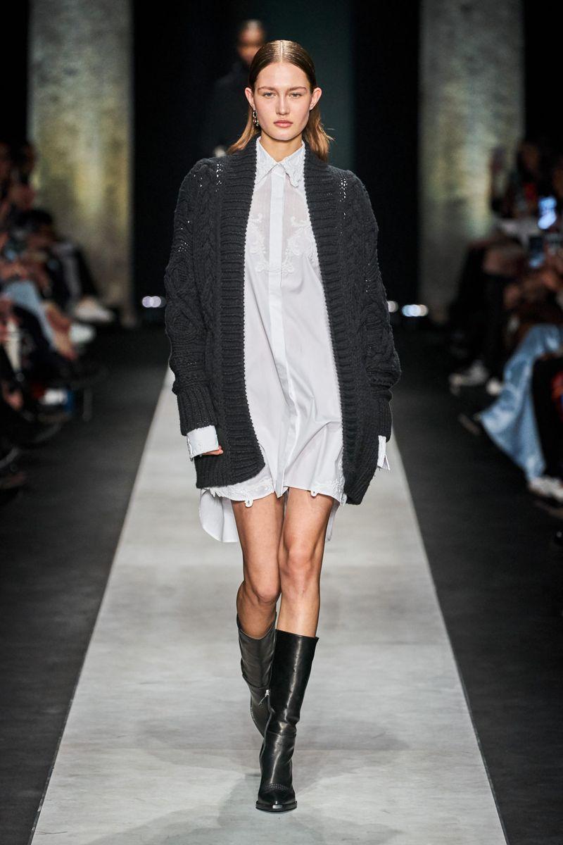 Модный объемный кардиган без пуговиц из коллекции осень-зима 2020-2021 Ermanno Scervino
