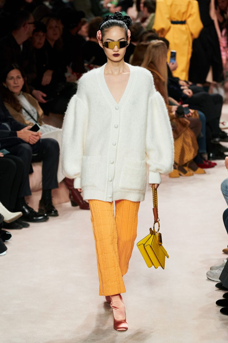Модный кардиган осень-зима 2020-2021 из коллекции Fendi