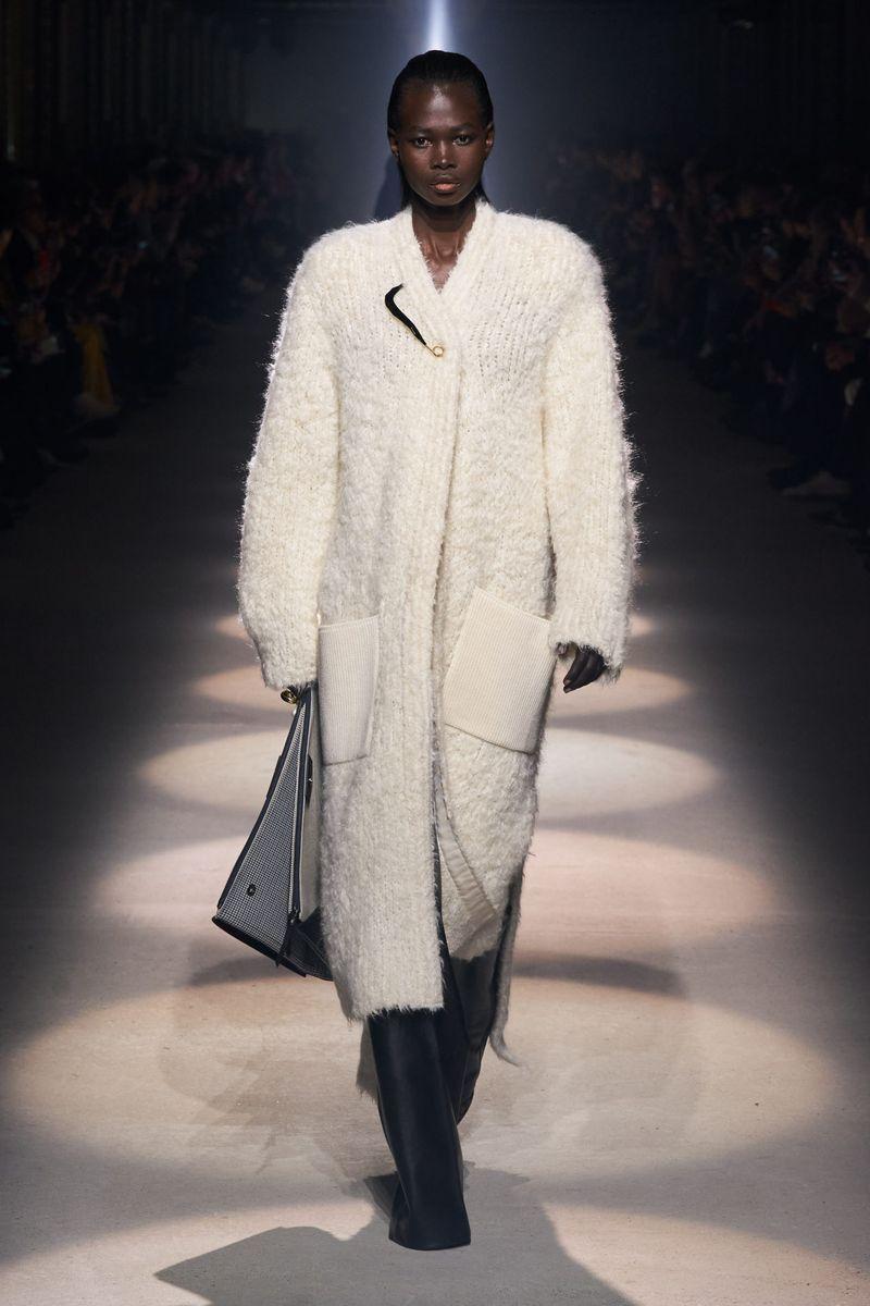 Модный длинный кардиган из коллекции осень-зима 2020-2021 Givenchy