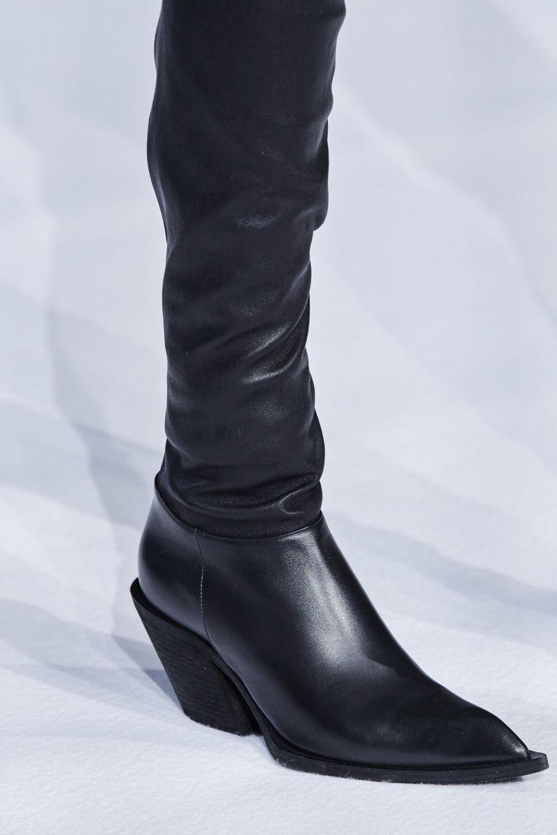 Модные сапоги осень-зима 2020-2021 из коллекции Haider Ackermann