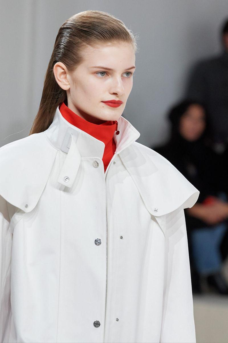 Модный макияж осень-зима 2020-2021. Образ модели на показе Hermès