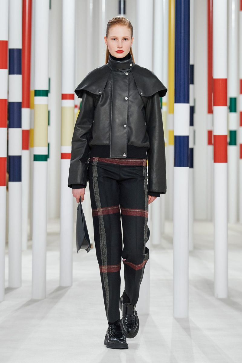 Модные брюки из коллекции осень-зима 2020-2021 Hermès