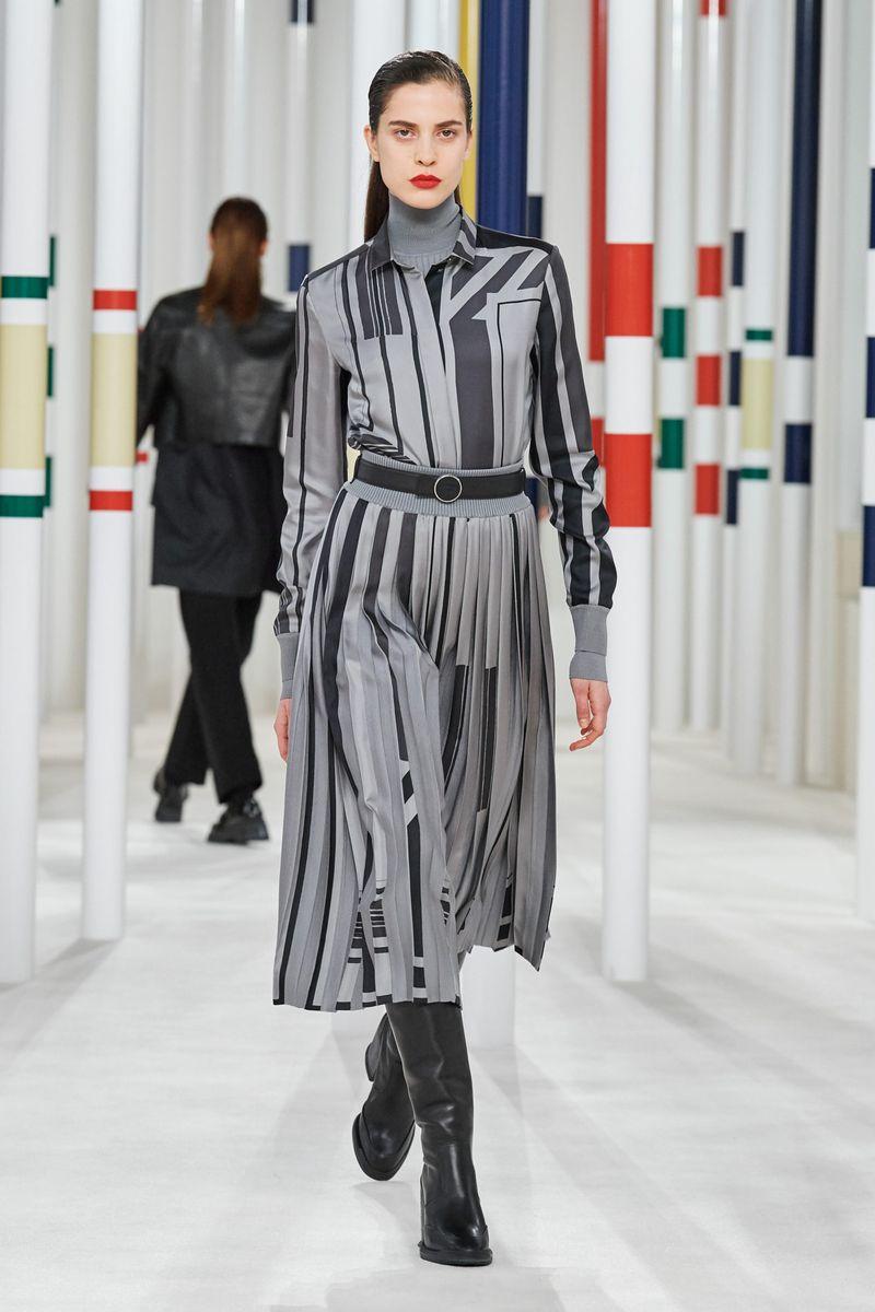 Модная рубашка из коллекции осень-зима 2020-2021 Hermès