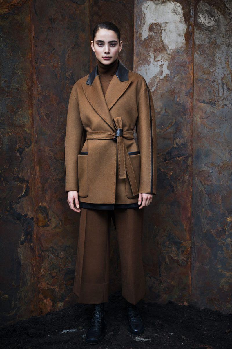 Модные брюки из коллекции осень-зима 2020-2021 Max Mara