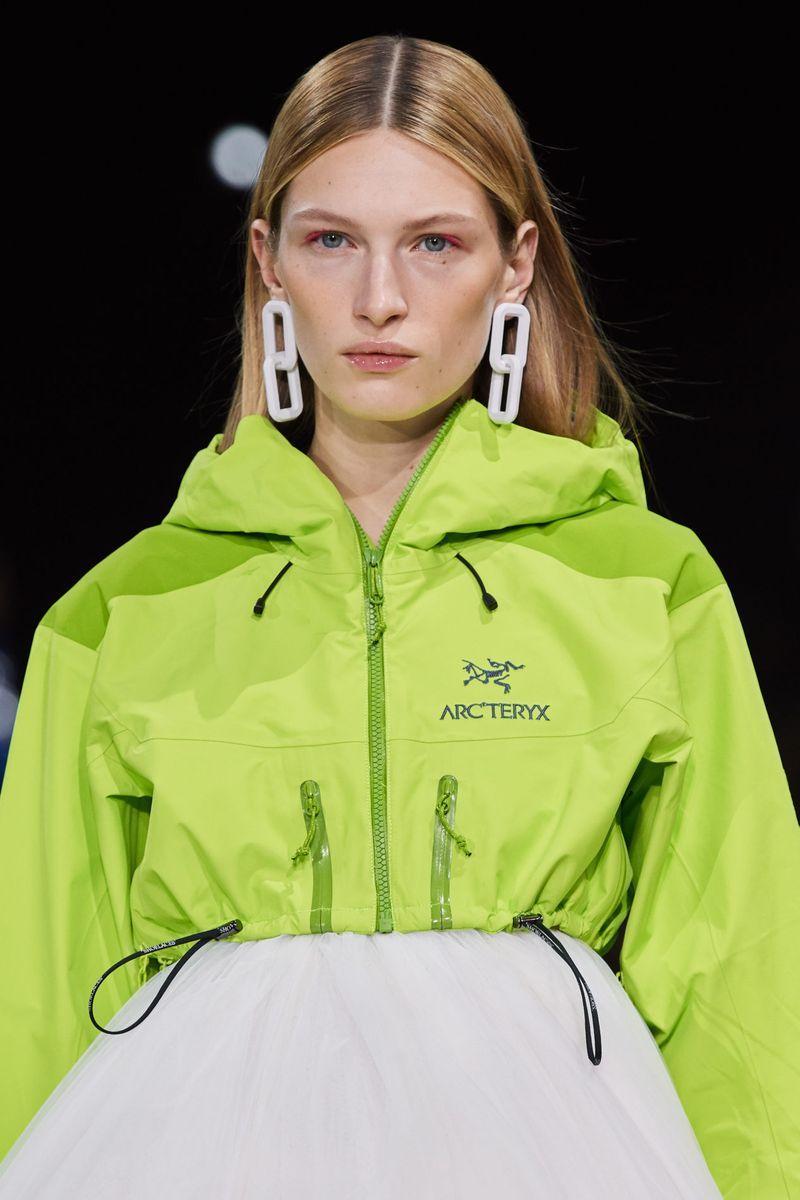 Модный макияж осень-зима 2020-2021. Образ модели на показе Off-White