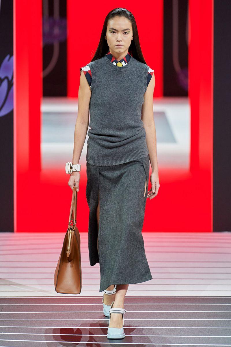 Модный жилет из коллекции осень-зима 2020-2021 Prada