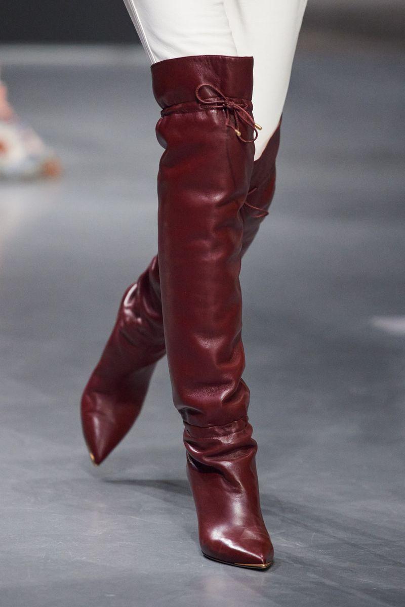 Модные сапоги осень-зима 2020-2021 из коллекции Tory Burch