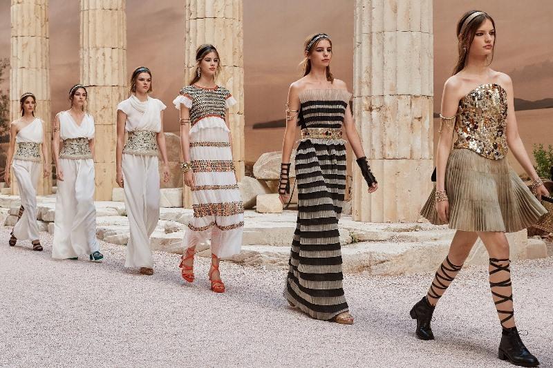 Коллекция Chanel весна-лето 2020