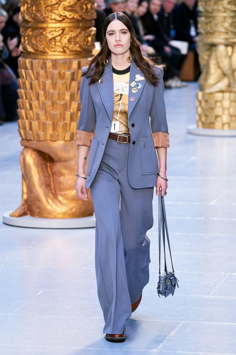 Модный брючный женский костюм из коллекции осень-зима 2020-2021 Chloé