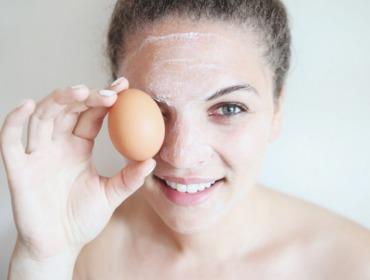 5 отличных рецептов масок для лица с яйцом