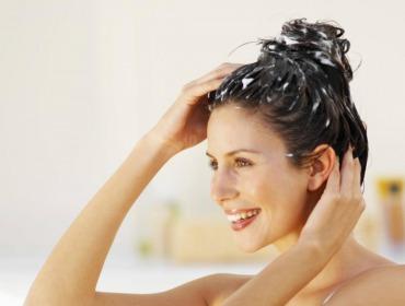 Какие маски для жирных волос можно сделать в домашних условиях?